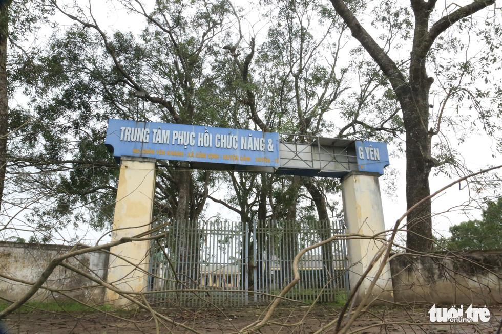 Cảnh hoang tàn tại Trung tâm Phục hồi chức năng và dưỡng sinh của 'thần y' Võ Hoàng Yên - Ảnh 1.