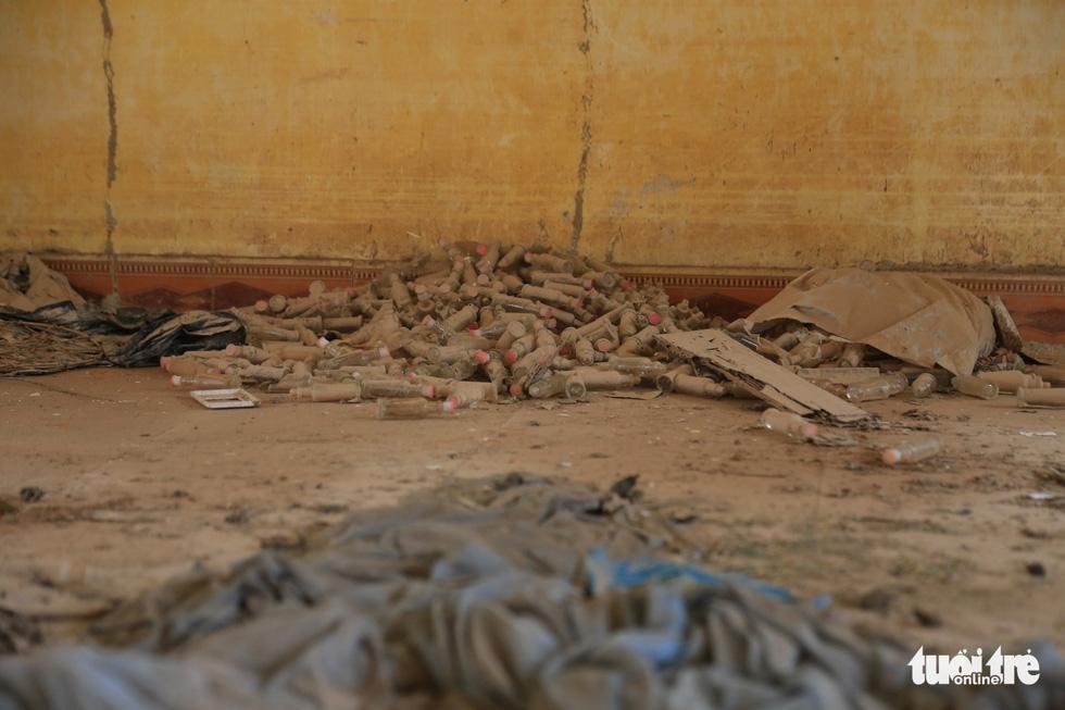 Cảnh hoang tàn tại Trung tâm Phục hồi chức năng và dưỡng sinh của 'thần y' Võ Hoàng Yên - Ảnh 6.