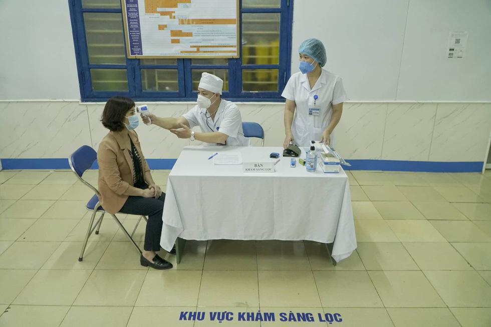 Sáng nay 8-3 Việt Nam tiêm vắc xin ngừa COVID-19 ở TP.HCM, Hà Nội và Hải Dương - Ảnh 5.