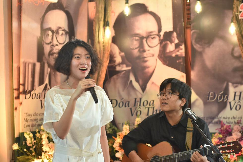 Hồng Nhung, Quang Dũng, Lân Nhã, Cẩm Vân hát ở ngôi nhà Trịnh Công Sơn từng sống - Ảnh 1.