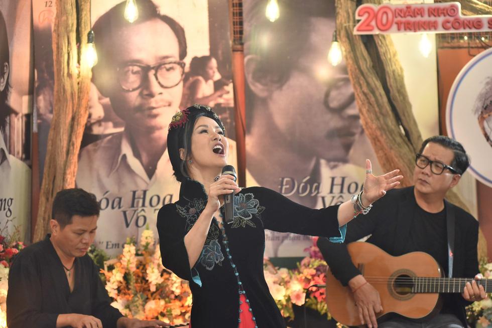 Hồng Nhung, Quang Dũng, Lân Nhã, Cẩm Vân hát ở ngôi nhà Trịnh Công Sơn từng sống - Ảnh 3.