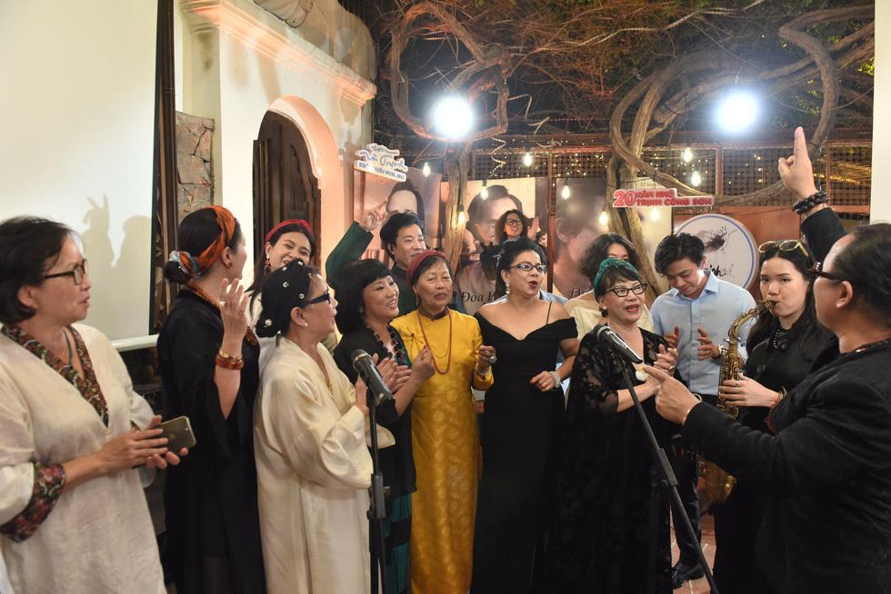 Hồng Nhung, Quang Dũng, Lân Nhã, Cẩm Vân hát ở ngôi nhà Trịnh Công Sơn từng sống - Ảnh 12.