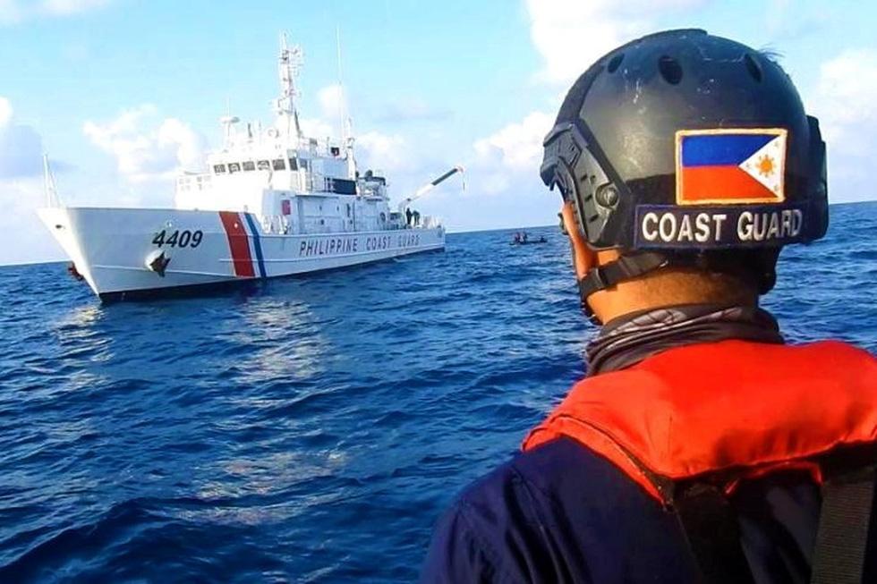 Philippines công bố hình ảnh áp sát tàu Trung Quốc tại đá Ba Đầu - Ảnh 4.