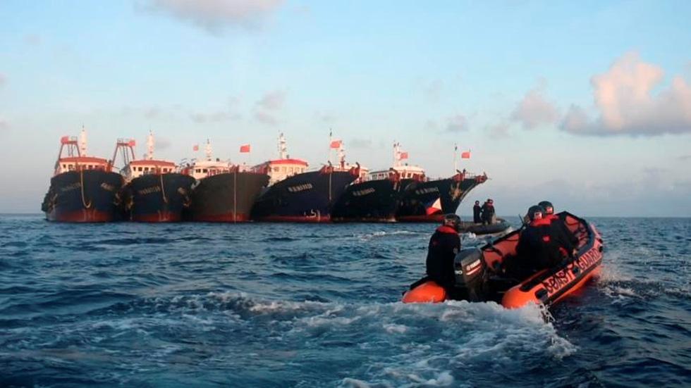 Philippines công bố hình ảnh áp sát tàu Trung Quốc tại đá Ba Đầu - Ảnh 5.