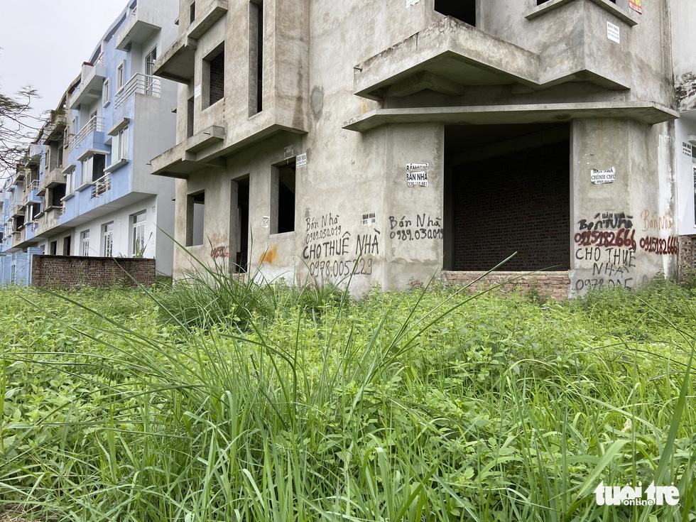 Khu đô thị 'ma' ở Hà Nội ngày càng nhiều, làm gì để khống chế? - Ảnh 9.