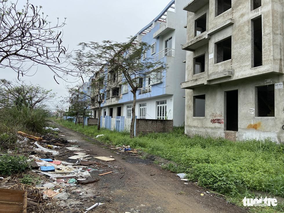 Khu đô thị 'ma' ở Hà Nội ngày càng nhiều, làm gì để khống chế? - Ảnh 10.