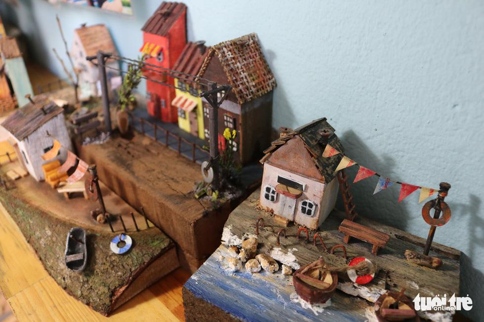 Chàng trai 9X nhặt gỗ vụn, kiếm tiền từ mô hình nhà mini siêu cưng - Ảnh 5.