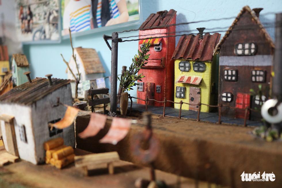 Chàng trai 9X nhặt gỗ vụn, kiếm tiền từ mô hình nhà mini siêu cưng - Ảnh 6.