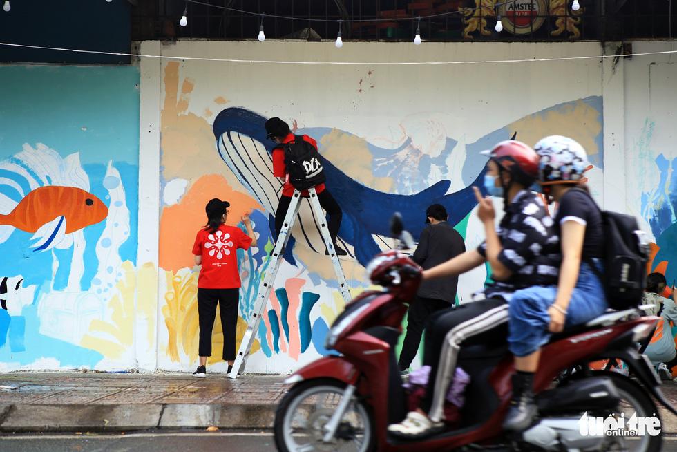 Tường đường Hoàng Sa được khoác áo mới với thông điệp môi trường - Ảnh 4.