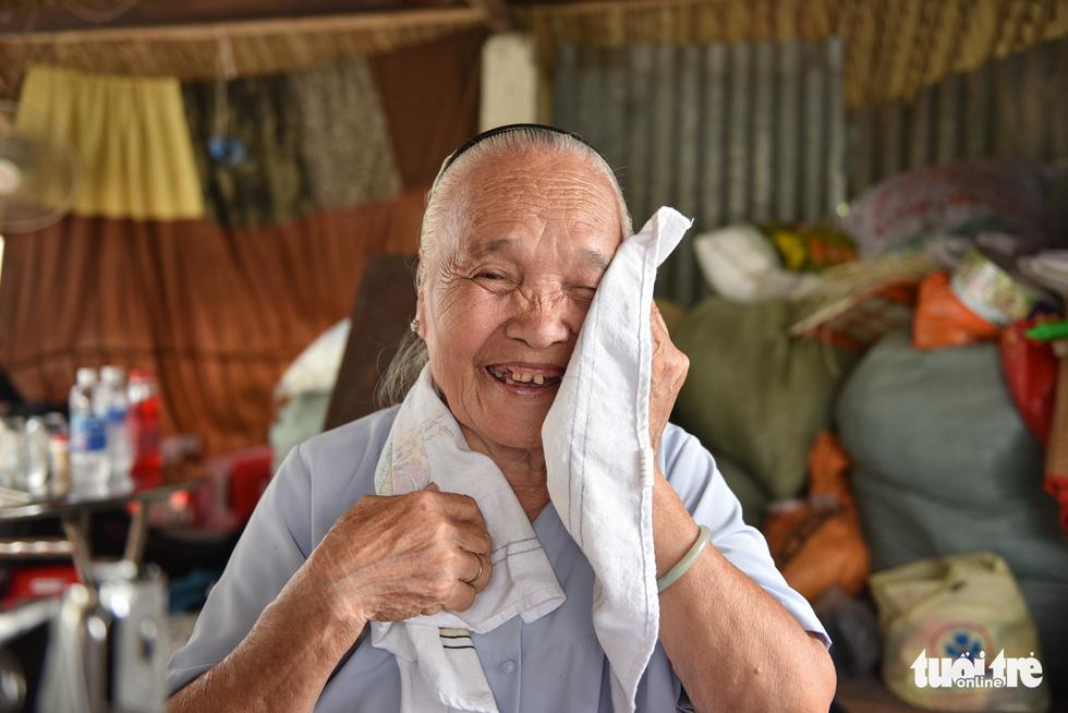 Bà nội Tư thích may mền cho người khó khăn - Ảnh 5.