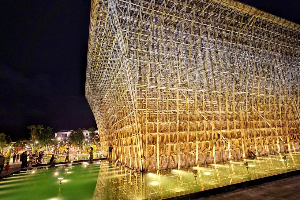 Du khách đổ về thành phố không ngủ ở Phú Quốc, càng về khuya càng nhộn nhịp - Ảnh 16.
