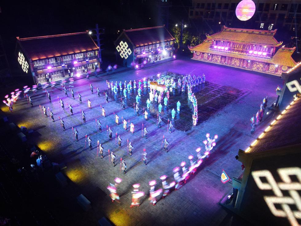 Du khách đổ về thành phố không ngủ ở Phú Quốc, càng về khuya càng nhộn nhịp - Ảnh 19.