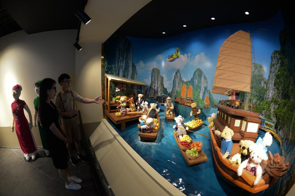 Du khách đổ về thành phố không ngủ ở Phú Quốc, càng về khuya càng nhộn nhịp - Ảnh 18.