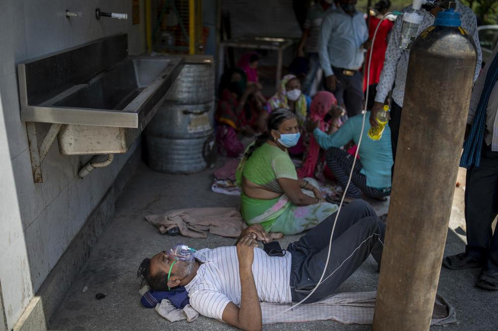 Chùm ảnh hiện thực dịch bệnh kinh hoàng ở Ấn Độ, mỗi đống củi là một bệnh nhân - Ảnh 5.