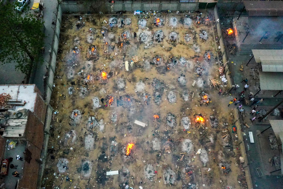 Lửa hỏa táng, chết chóc tiếp tục lan khắp Ấn Độ - Ảnh 3.