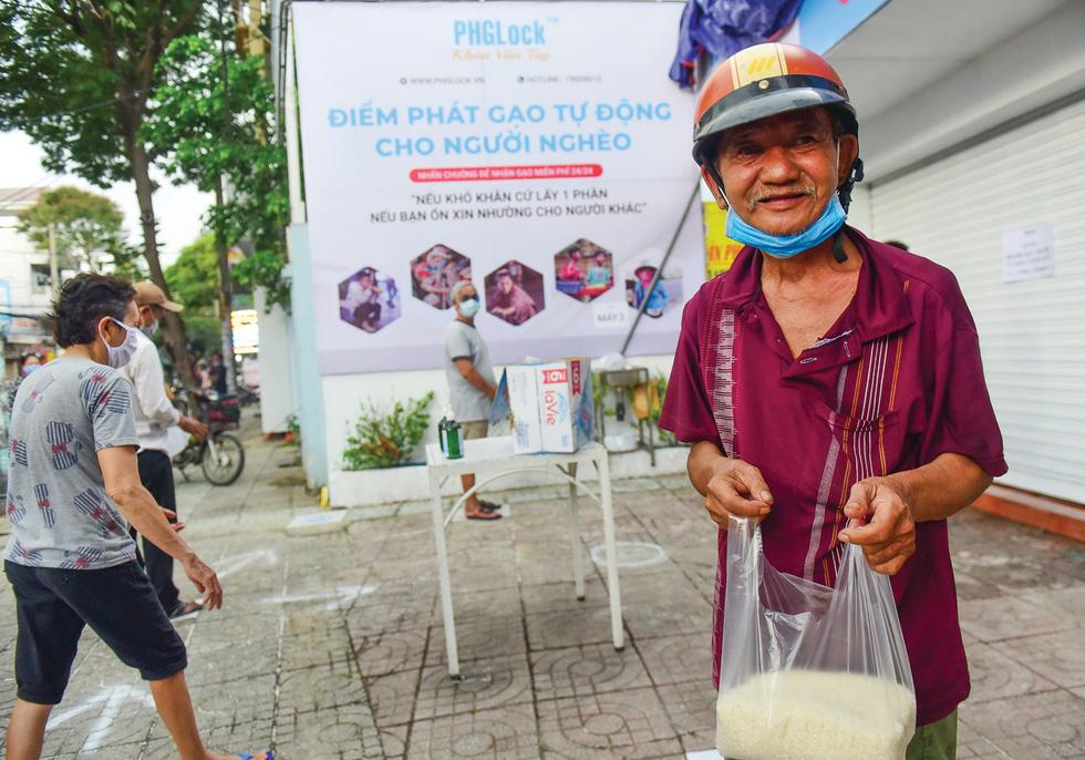 Sài Gòn bao dung - TP.HCM nghĩa tình: Sài Gòn ôm tất cả chúng ta vào lòng - Ảnh 3.
