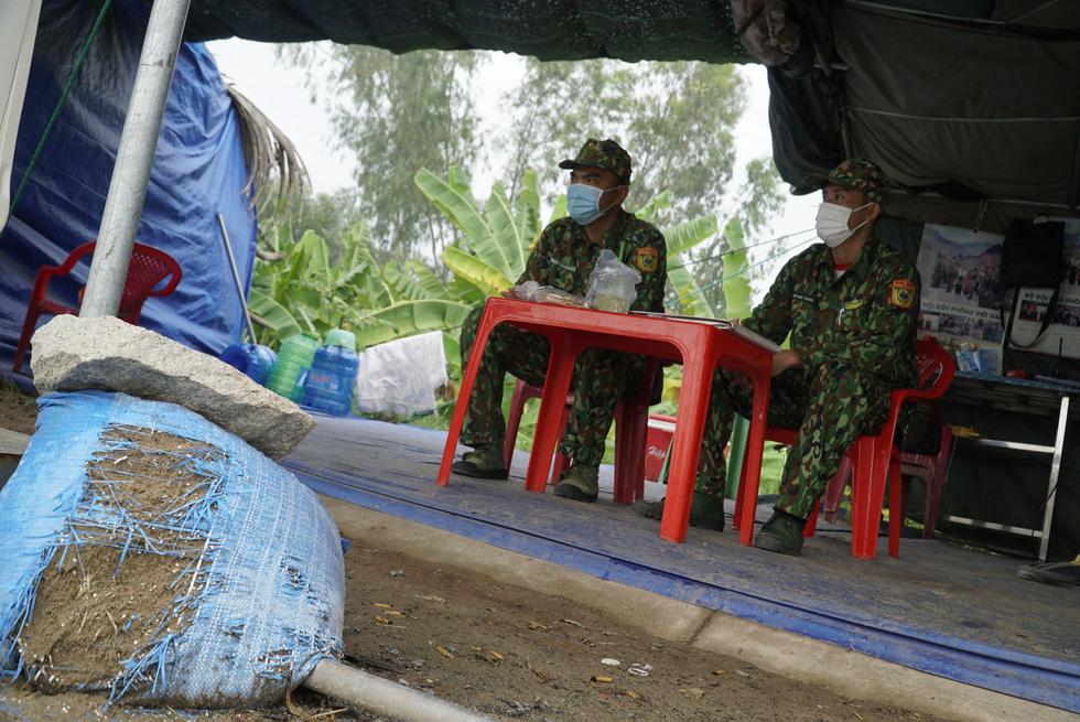 24/24 giờ siết chặt lá chắn biên giới Tây Nam - Ảnh 6.