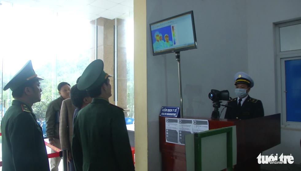 Bộ đội tăng quân lên biên giới Việt - Lào chống dịch COVID-19 - Ảnh 3.