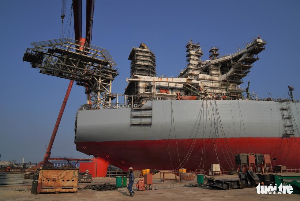 Độ tàu dầu hạng khủng thế giới ở Việt Nam - Ảnh 8.