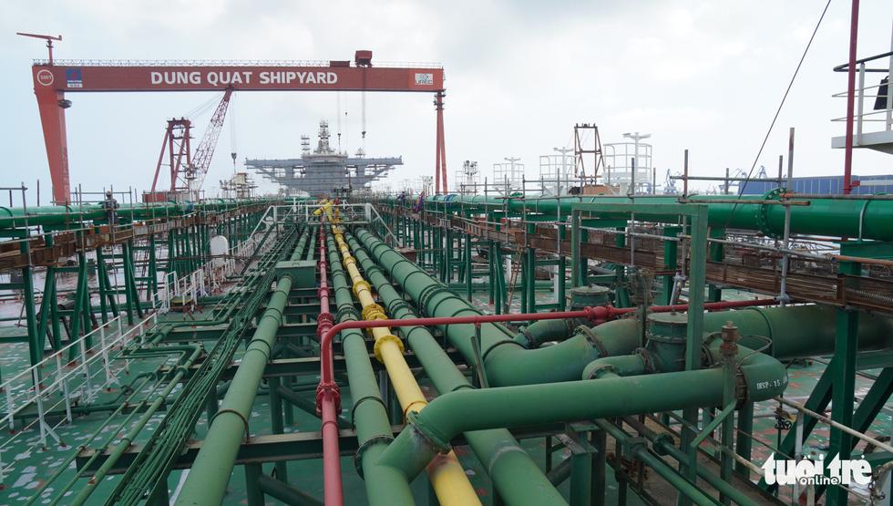 Độ tàu dầu hạng khủng thế giới ở Việt Nam - Ảnh 12.