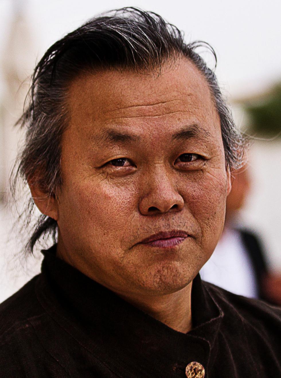 Đàn ông Hàn dữ dội trong điện ảnh: Hình tượng người cha và vị thế quốc gia - Ảnh 5.