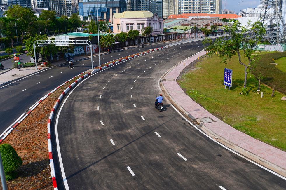 Thông xe đường Nguyễn Hữu Cảnh, hoàn thành nâng cấp 'rốn ngập' của TP.HCM - Ảnh 6.
