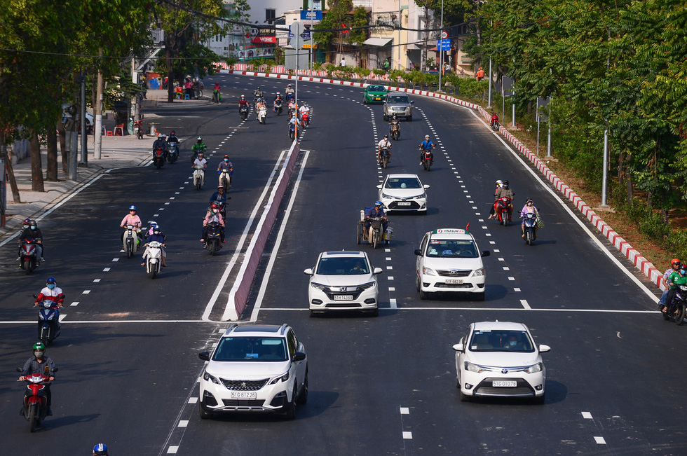 Thông xe đường Nguyễn Hữu Cảnh, hoàn thành nâng cấp 'rốn ngập' của TP.HCM - Ảnh 7.