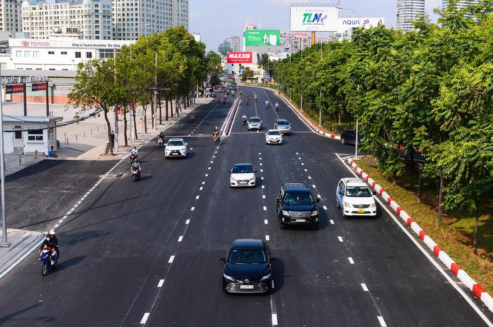Thông xe đường Nguyễn Hữu Cảnh, hoàn thành nâng cấp 'rốn ngập' của TP.HCM - Ảnh 2.