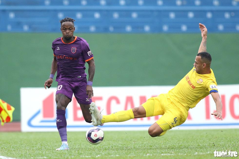 Tiến Linh ghi bàn thắng thứ 41 trong màu áo B.Bình Dương - Ảnh 6.