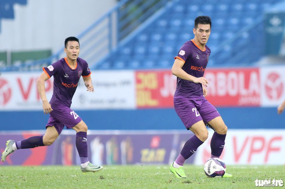 Tiến Linh ghi bàn thắng thứ 41 trong màu áo B.Bình Dương - Ảnh 2.
