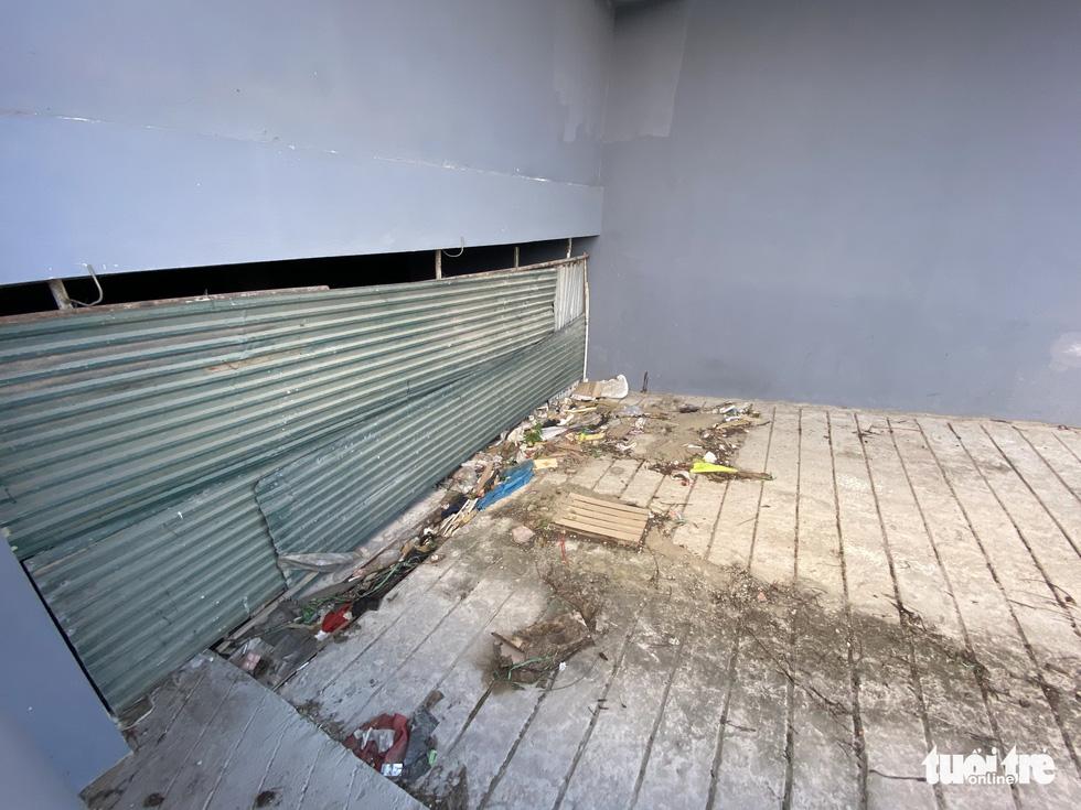 Chung cư tái định cư Hà Nội xây xong bỏ hoang nhiều năm - Ảnh 3.