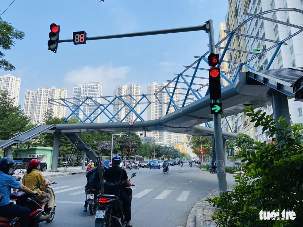The beautiful Y-shaped pedestrian bridge in Hanoi is about to be inaugurated - Photo 6.