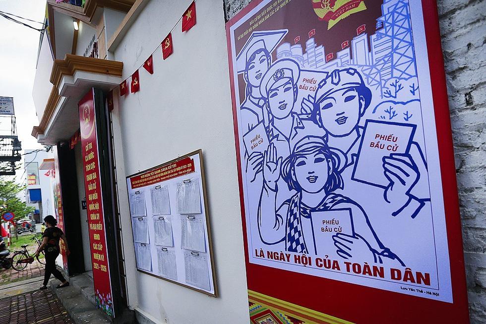 Hòa Bình tổ chức diễn tập bỏ phiếu bầu cử tại các điểm cách ly - Ảnh 8.