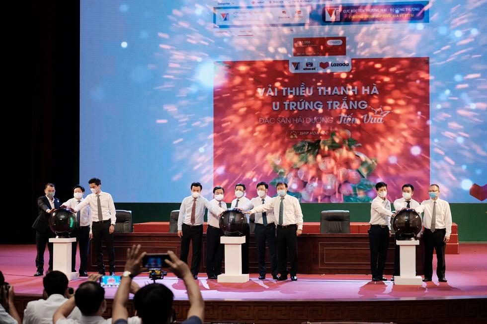 Bộ trưởng Lê Minh Hoan: Vải em là vải vườn nhà. Em là con gái Thanh Hà xứ Đông - Ảnh 9.