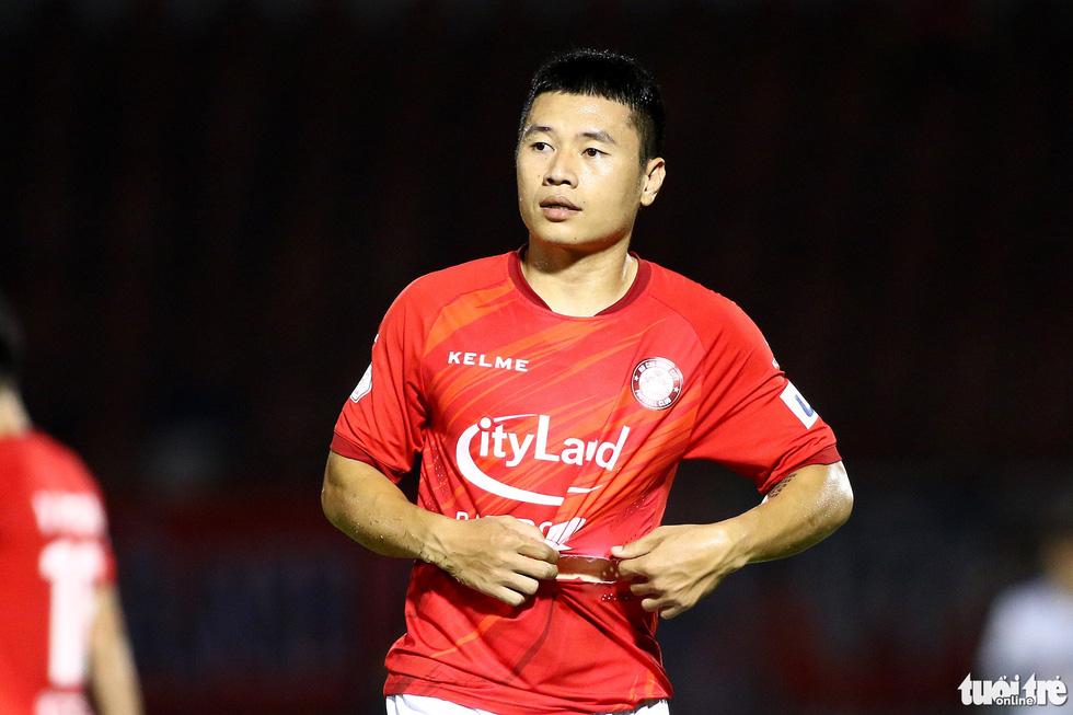 Lee Nguyễn nhận đủ ngón đòn tiểu xảo vẫn tỏa sáng - Ảnh 5.