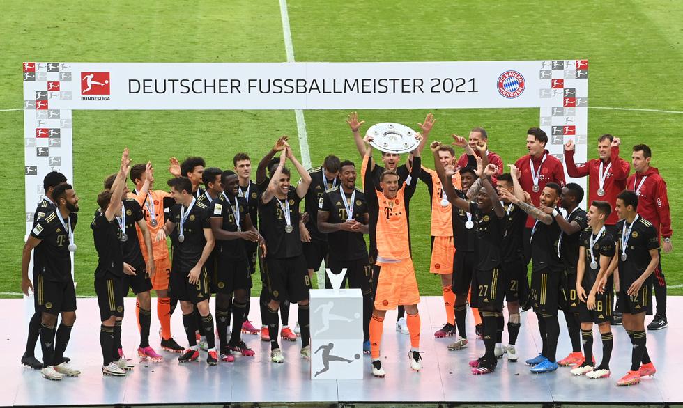 Ghi bàn phút 90, Lewandowski đi vào lịch sử trong ngày nâng đĩa bạc Bundesliga - Ảnh 7.
