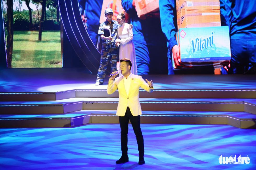 Tạ Minh Tâm, Hiền Thục, Hồ Trung Dũng hát mừng bầu cử - Ảnh 7.