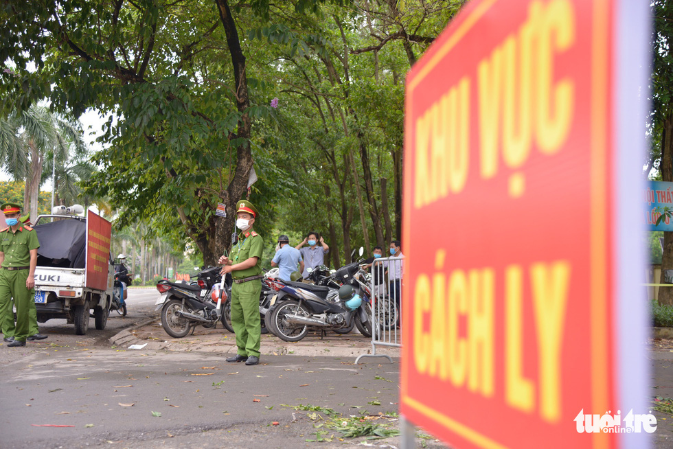 Hà Nội tạm phong tỏa chợ Xanh Văn Quán có liên quan ca COVID-19 - Ảnh 3.