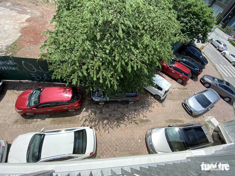 Hai sở rút khỏi liên cơ ngàn tỉ: Người làm thủ tục bức xúc, dân sống cạnh kêu trời vì ôtô - Ảnh 5.