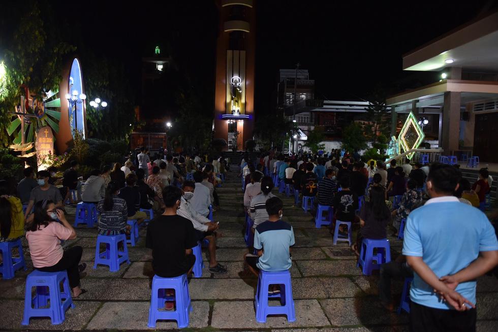 Gấp rút xét nghiệm 50.000 dân Gò Vấp suốt đêm nay đến rạng sáng 29-5 - Ảnh 4.