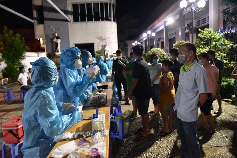Gấp rút xét nghiệm 50.000 dân Gò Vấp suốt đêm nay đến rạng sáng 29-5 - Ảnh 5.