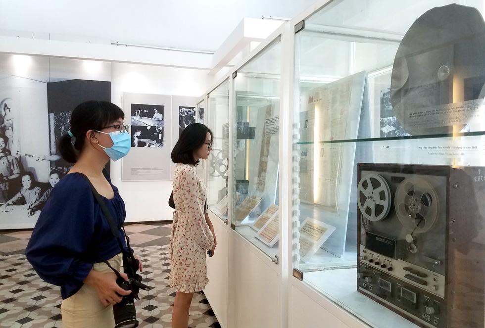 Hiện vật bảo tàng kể chuyện truyền thông trong chiến tranh - Ảnh 2.