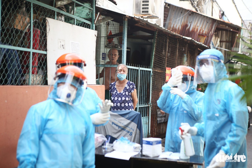 Khẩn cấp xét nghiệm toàn bộ người dân hẻm 245 khu Mả Lạng - Ảnh 3.