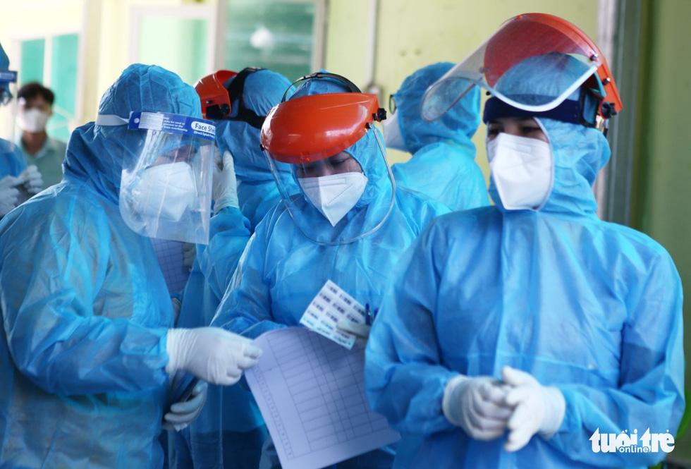 Khẩn cấp xét nghiệm toàn bộ người dân hẻm 245 khu Mả Lạng - Ảnh 2.
