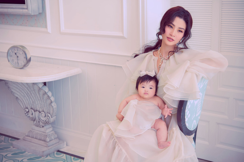 Ho Ngoc Ha, Dong Nhi ... send love to her mother on 'Mother's Day' - Photo 4.