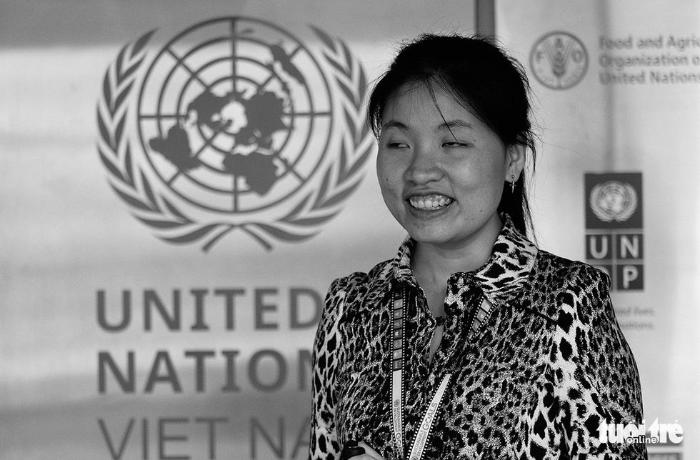 Cô gái khiếm thị Việt Nam đầu tiên làm việc cho UNDP: Nhắc chuyện buồn hoài chán lắm! - Ảnh 1.