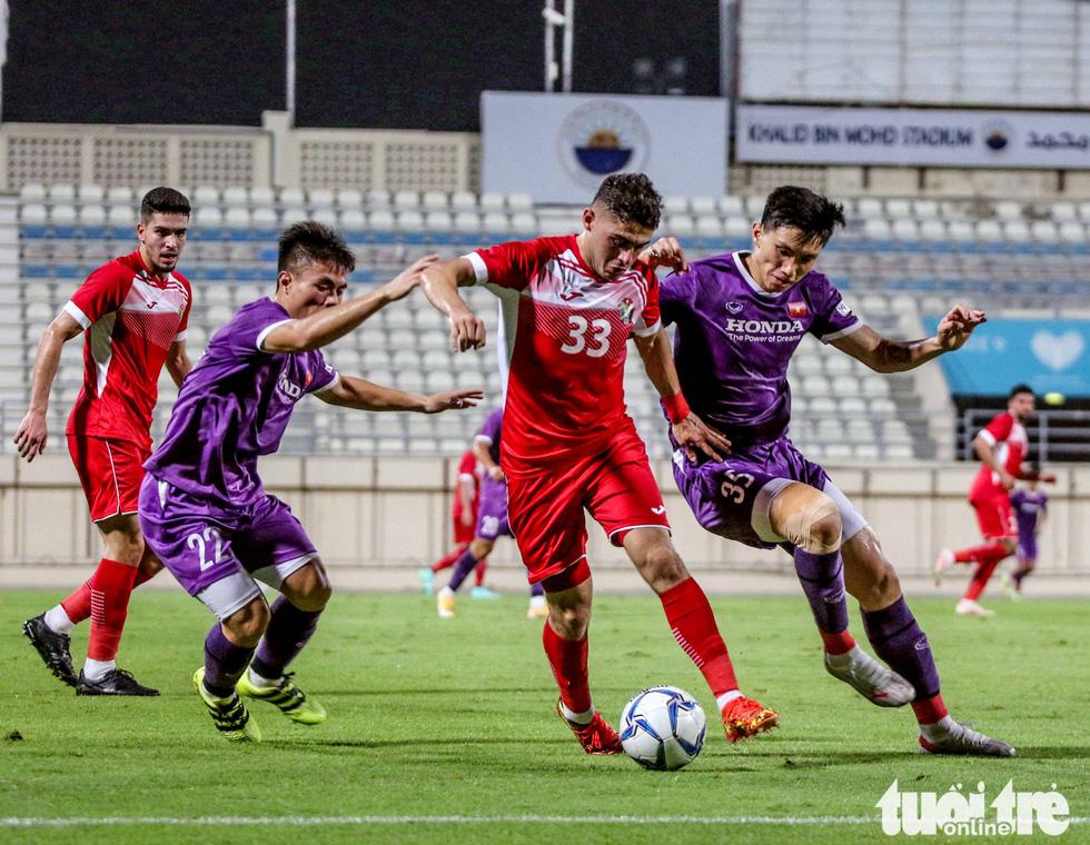 Văn Toản cứu thua 11m, Việt Nam hòa Jordan 1-1 - Ảnh 2.