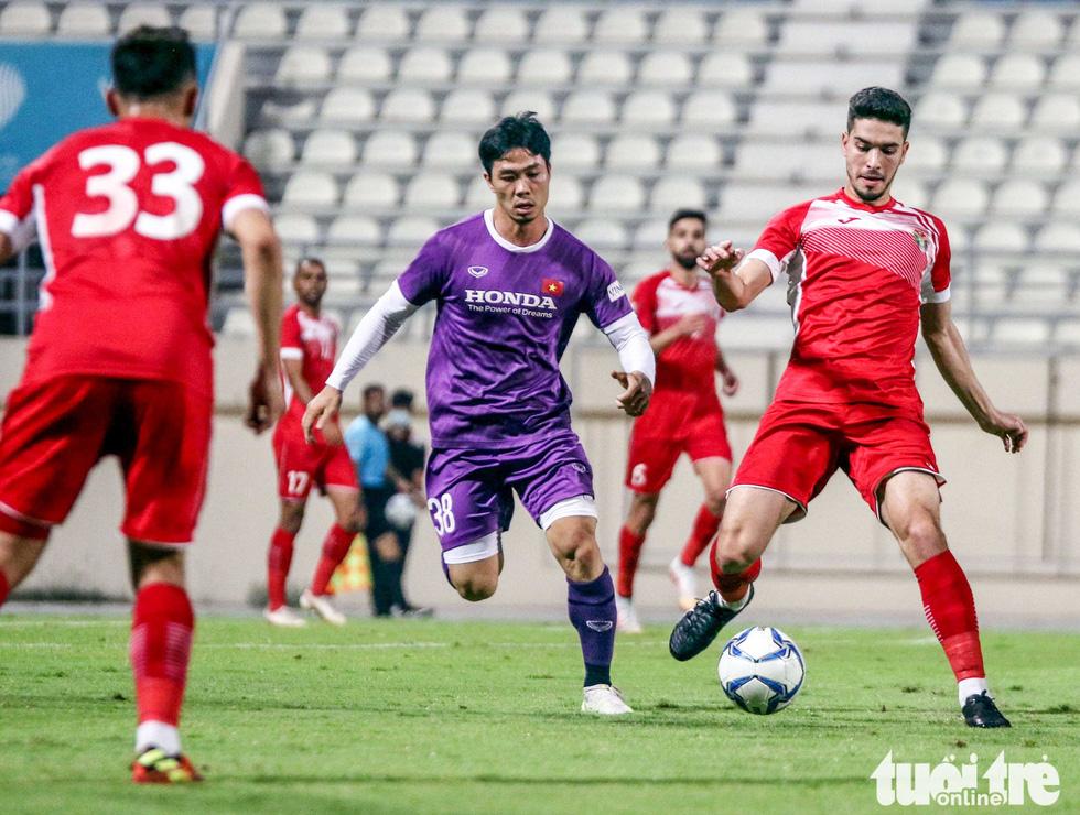 Văn Toản cứu thua 11m, Việt Nam hòa Jordan 1-1 - Ảnh 1.