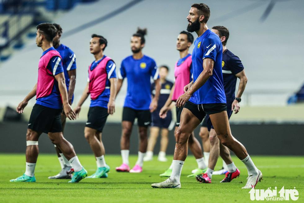 Nhìn Malaysia tập cứ ngỡ một đội bóng châu Âu - Ảnh 5.