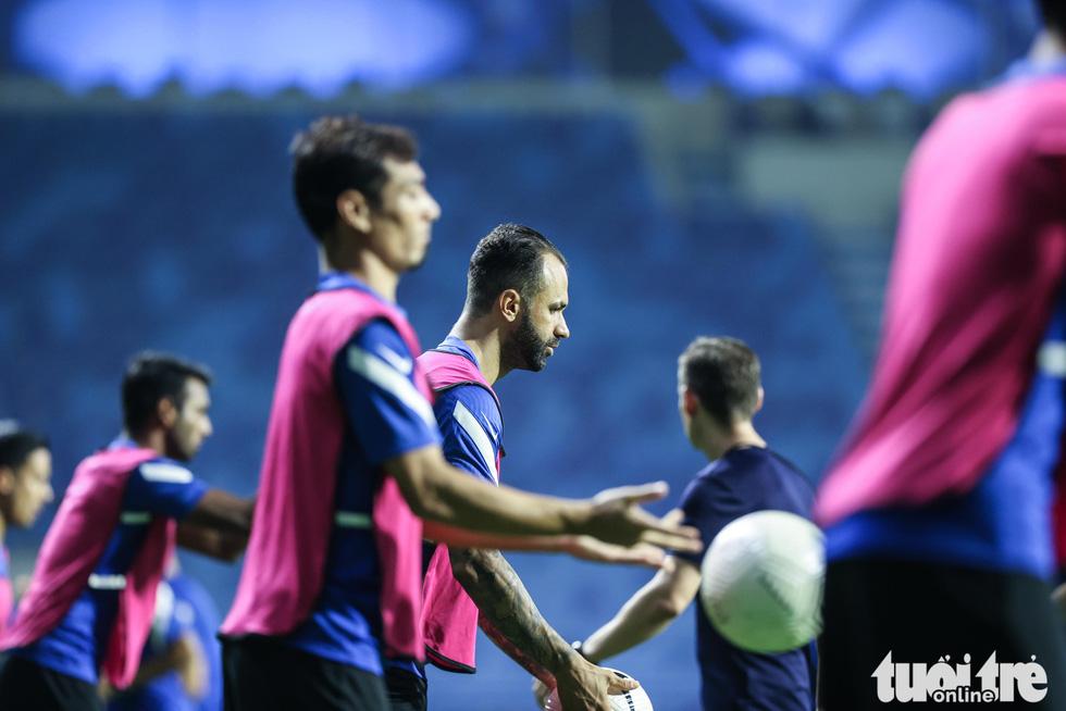 Nhìn Malaysia tập cứ ngỡ một đội bóng châu Âu - Ảnh 6.